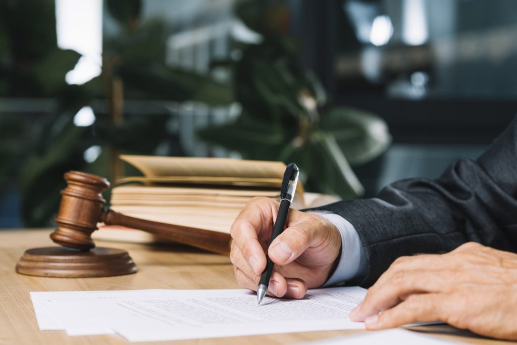 juge-prudhommes-justice-employeur-salarié